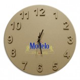 reloj modelo madera letras relieve